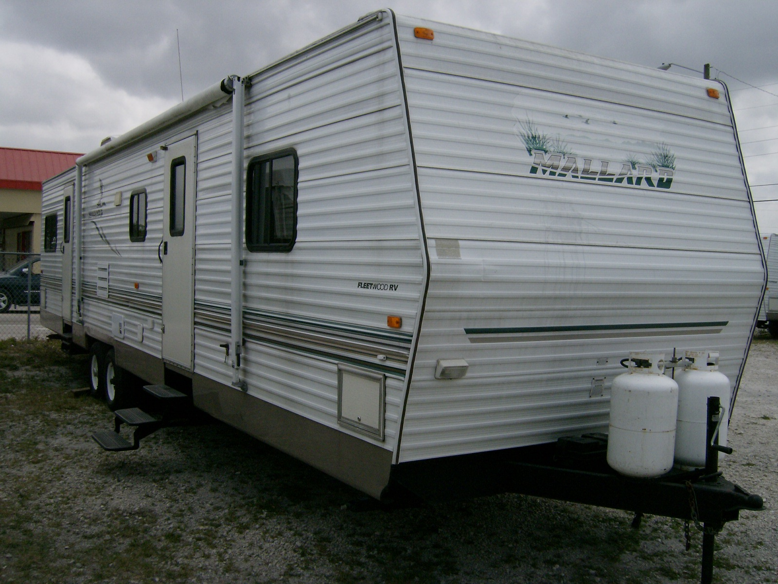 2004 Fleetwood Mallard 39′ Travel Trailer – RV Sales of Broward | RV